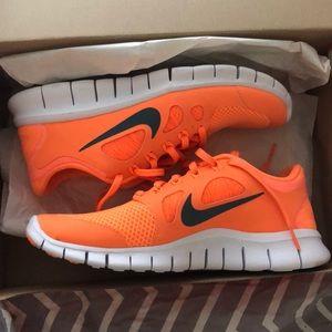 Orange Nike free run